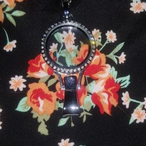 Origami Owl Necklace with Badge clip